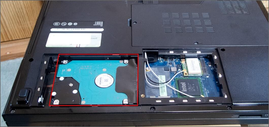 SSDを装着する
